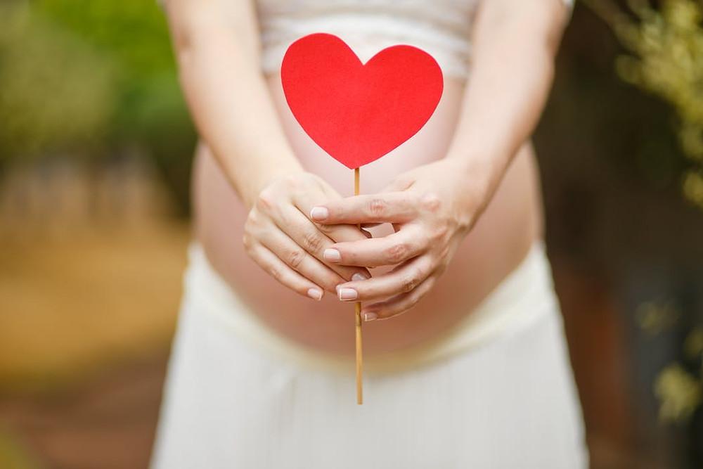 ostéopathe grossesse : les bienfaits de l'ostéopathie pour les futures mamans