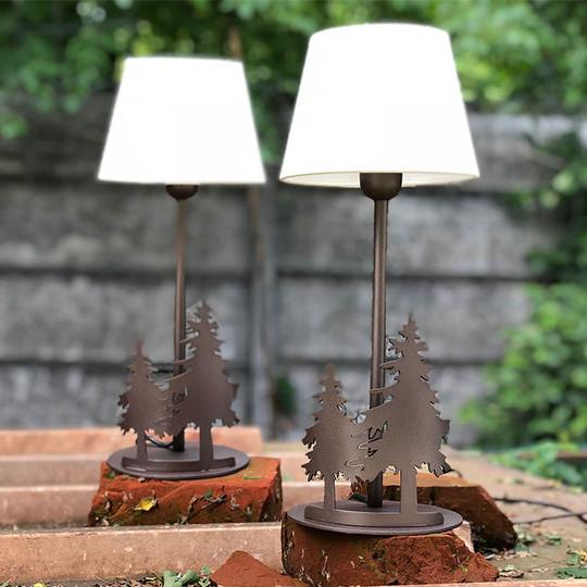 02. Lampade da tavolo ABETI
