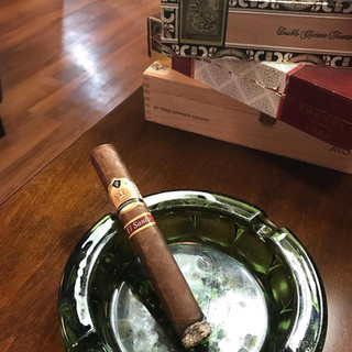 lounge ashtray.jpg