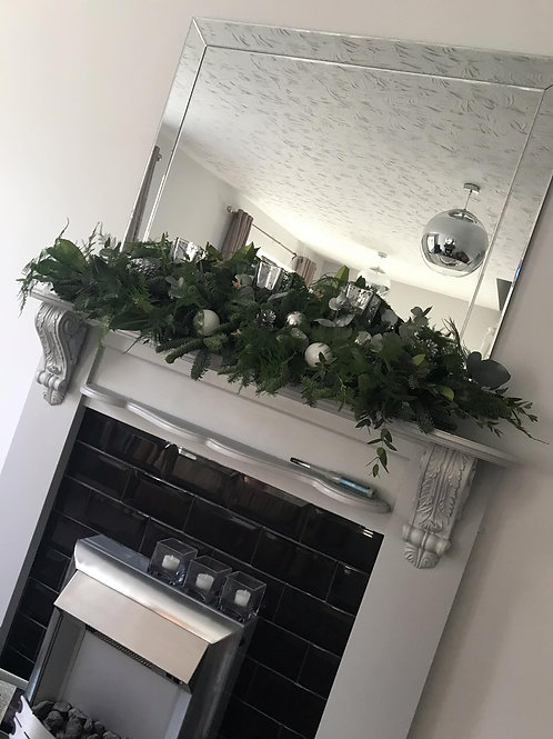 Christmas Fireplace Arrangements