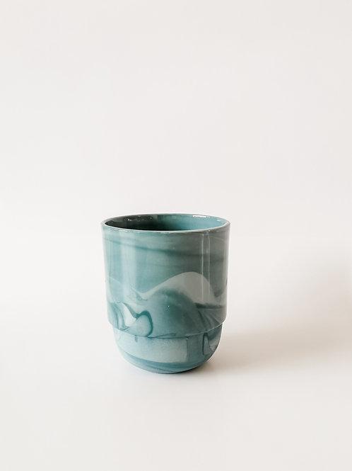 Hella Duijs koffie mok gemarmerd blauw