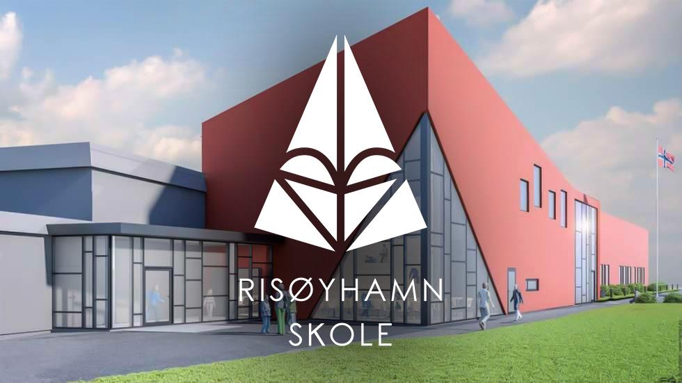 Risøyhamn skole med logo.png