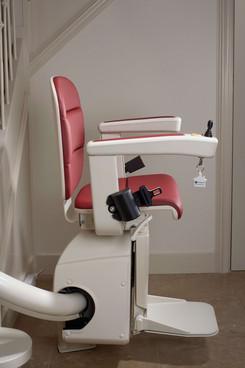 Elegance_chair_red_side - Kopya.jpg
