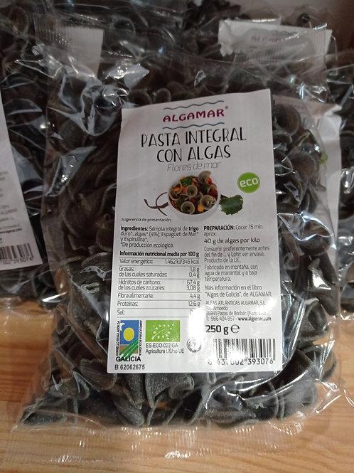Pasta integral con algas
