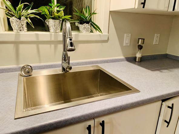 Lavabo Cuisine/salle de bain APRÈS (Les