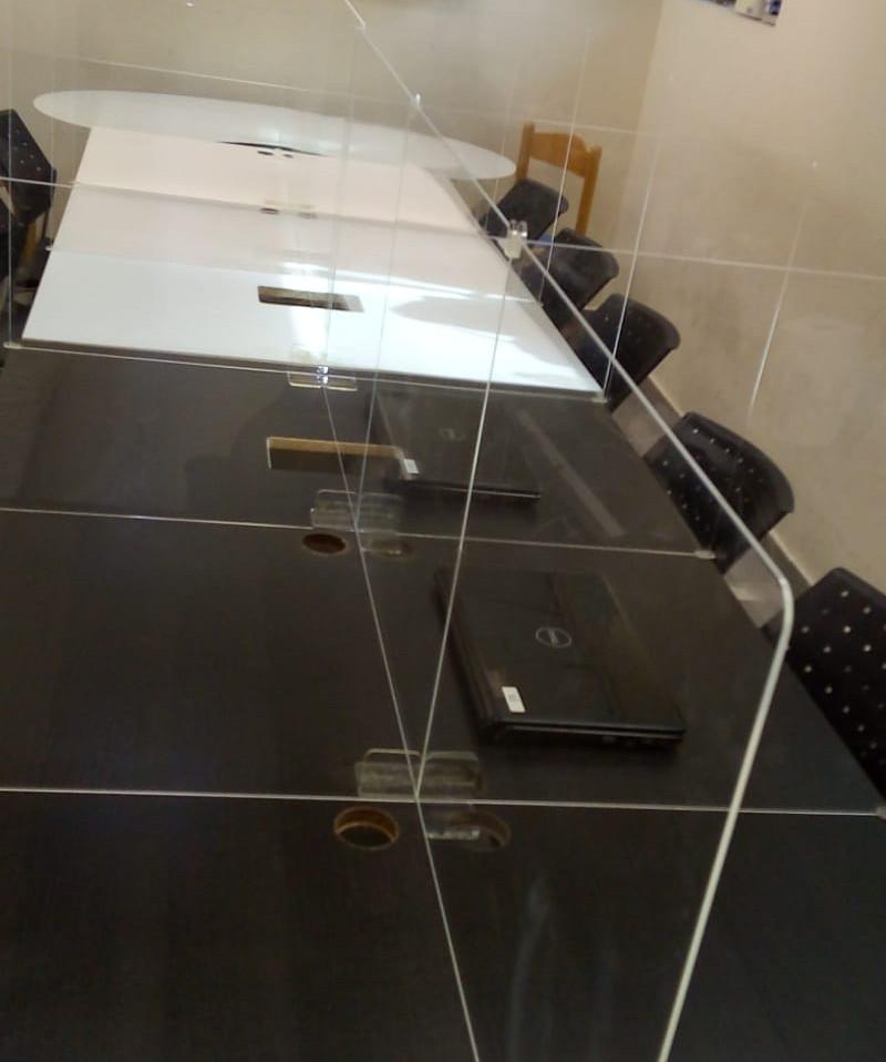 מחיצה שקופה לשולחן דגם Kita