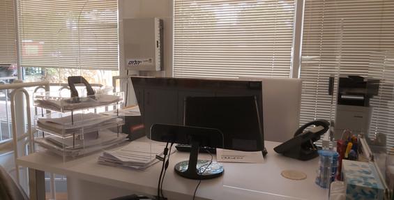 מחיצת מגן דגם משרדי H