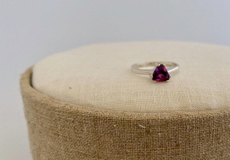 "Ring ""Rhodolite Trillion"""