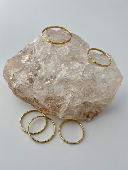 """Ring """"Hammered"""" Gold"""
