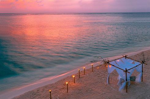 Diner sur la plage_edited.jpg