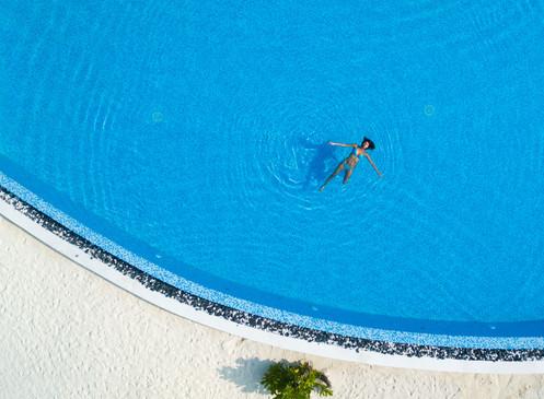 Main Pool-01.jpg