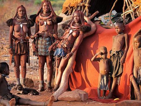 Les Himbas, le peuple rouge