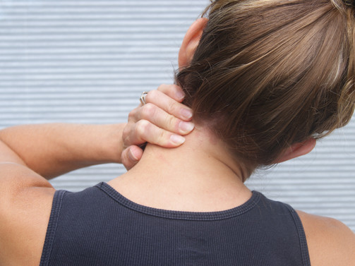 What you can do at home to prevent a stiff and sore neck after daily activities