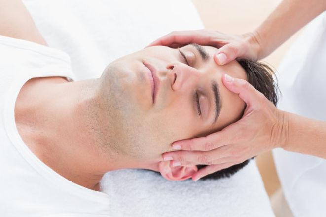 man-receiving-head-massage_13339-123590.