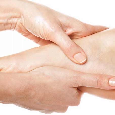 Wat is het verschil tussen voetmassage en voetreflexologie?