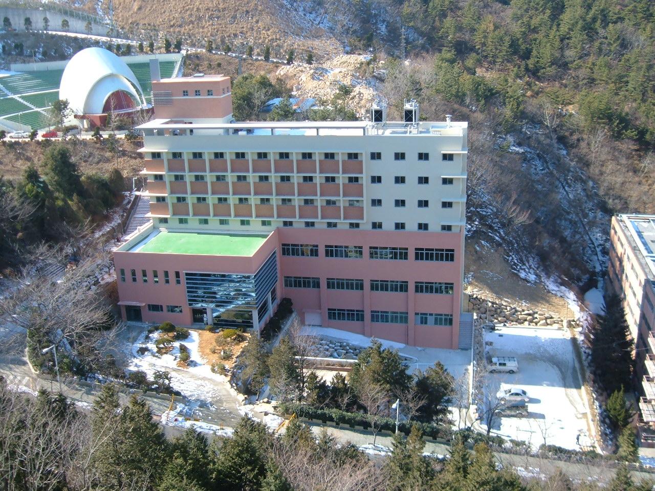 동의대학교 커리어개발관 (2005.1)