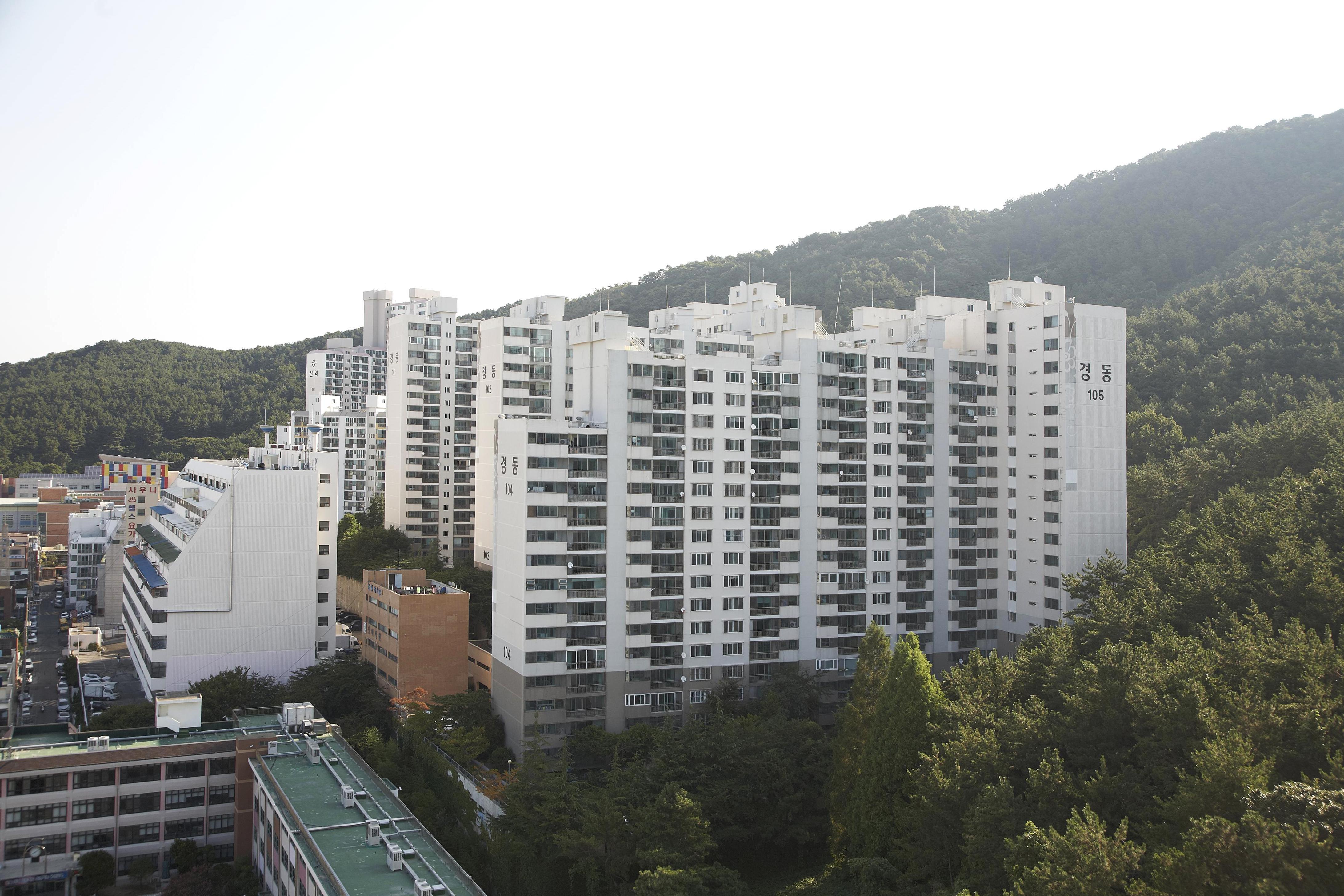 용호동 경동아파트 (1993.9)