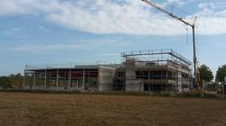Bürogebäude mit Produktionshalle