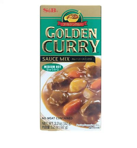 S&B Golden curry medium hot 92g
