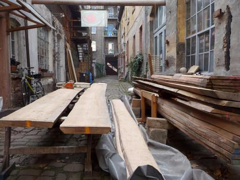 Holzauswahl vor dem Auftrennen hofschreinerei Heidelberg