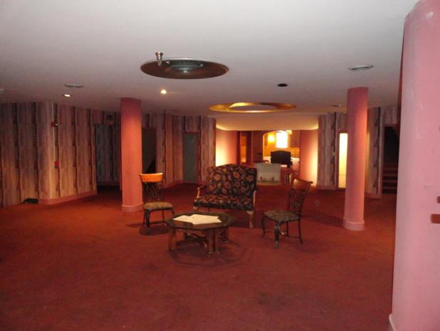 Second floor lounge sitting area
