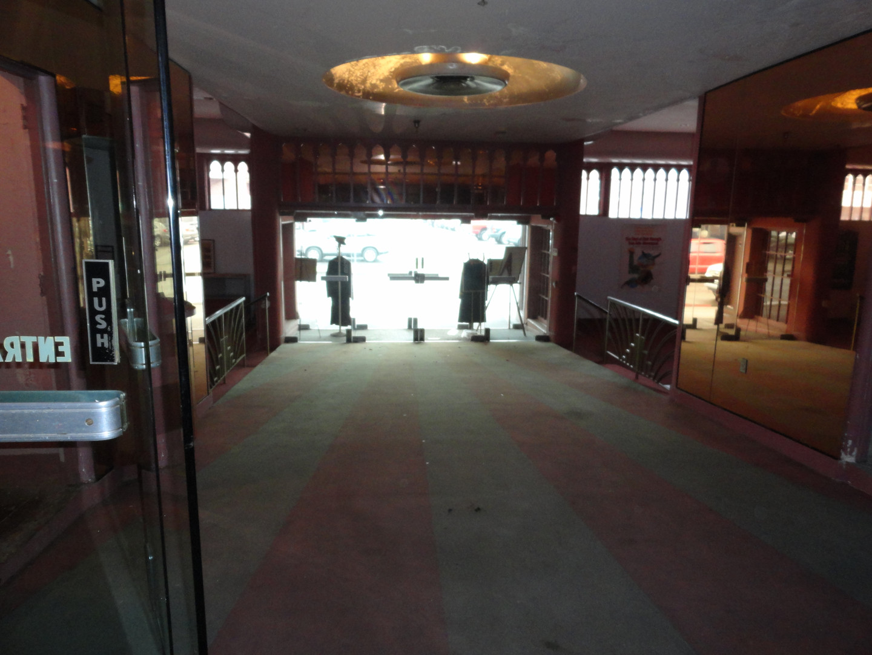 Lobby ramp