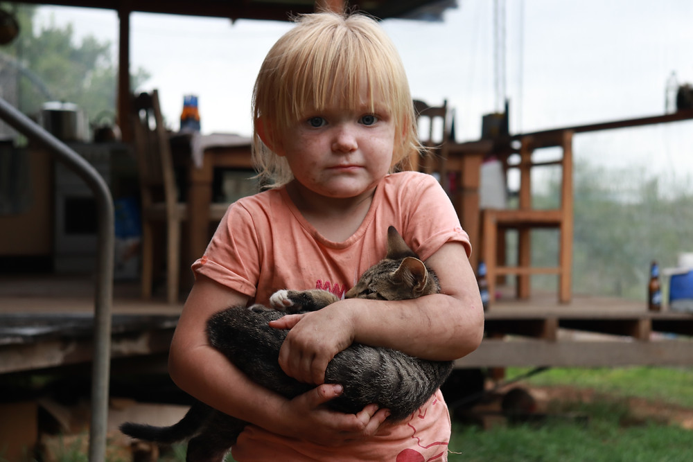 Cute Billie girl and her pet kitten, Nymboida Bushfire Australia (Grace and Hugh Piano Songwriter Blog)
