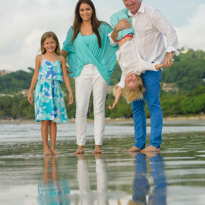 Best family photographer in Tamarindo, Costa Rica.