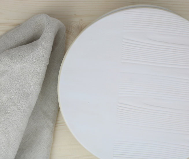 Flat Plate  |  Matte White + Woodgrain Texture
