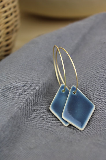 Earrings  |  Navy Diamond