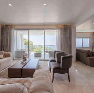 Luxury Four Bedroom Apartment