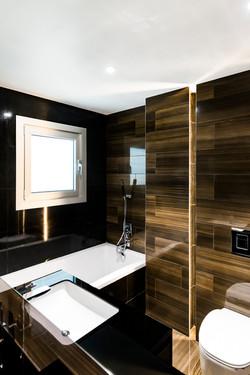 Luxury Beachfront Four Bedroom Apartmented-preloadLuxury Beachfront Four Bedroom Apartment  blury-pr