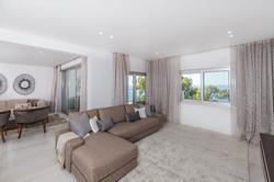 Luxury Beachfront Four Bedroom Apartmentr-2