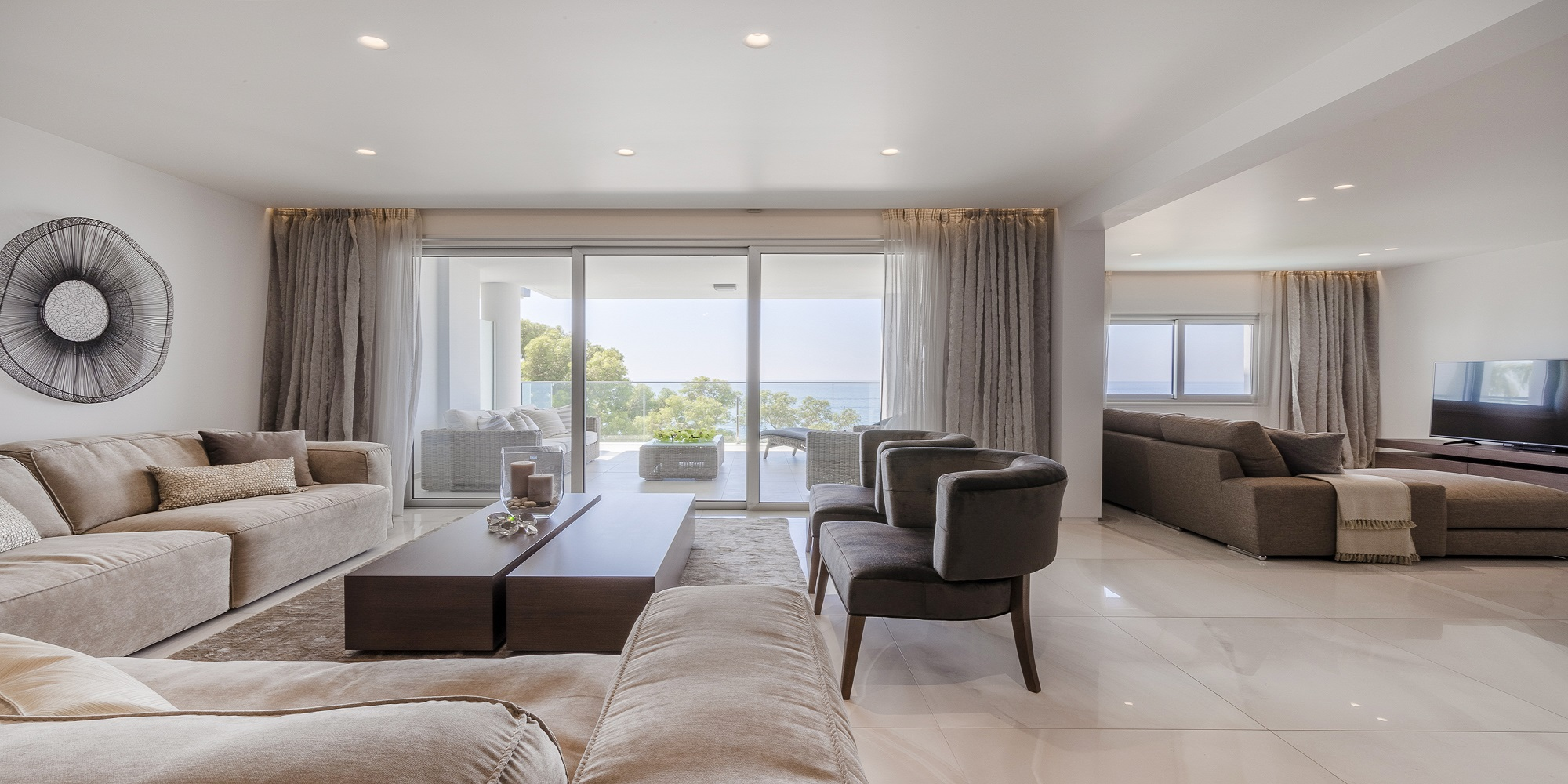 Luxury Beachfront Four Bedroom Apartment