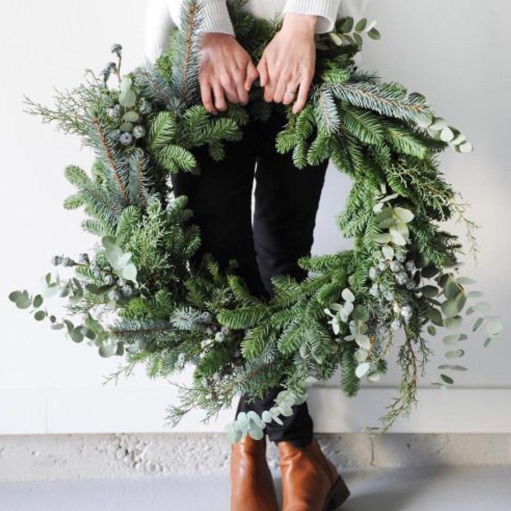 Christmas Wreath.18 Inch Large Fresh Christmas Wreath