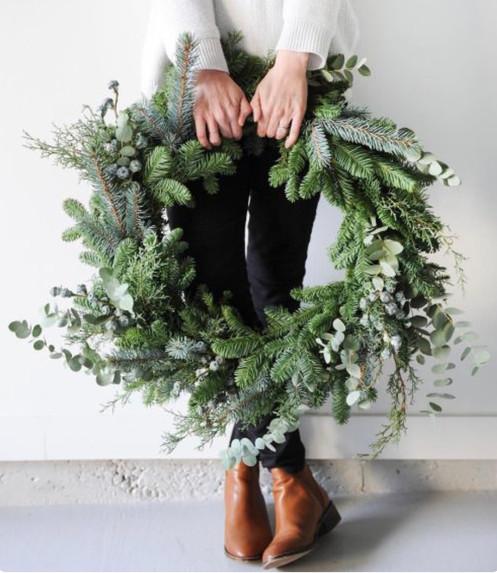 18 Inch Large Fresh Christmas Wreath