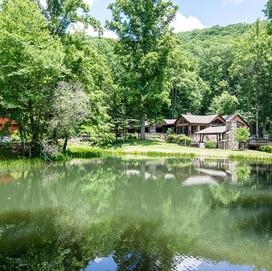 Cool Stream Lodge