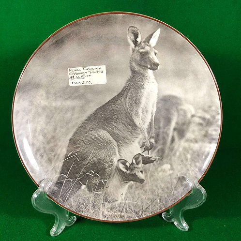 """Royal Doulton Cabinet plate """"MOTHER KANGAROO WITH JOEY"""""""