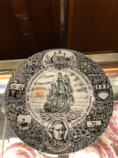 Wood and Sons decorative plate