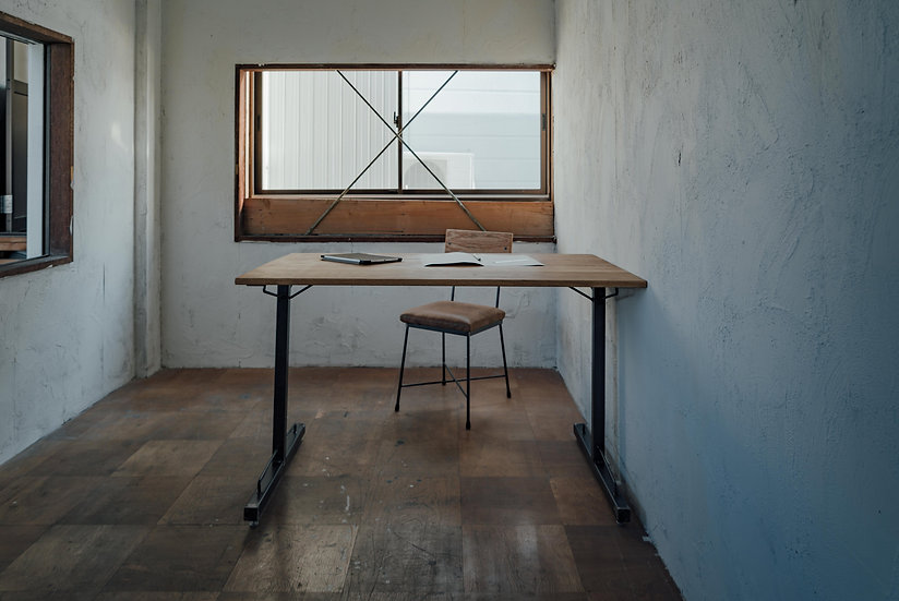 TW TABLE