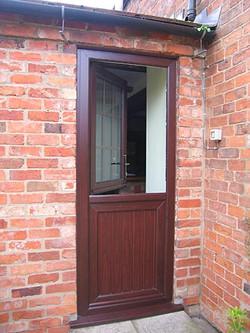 doors-residential-stable-04
