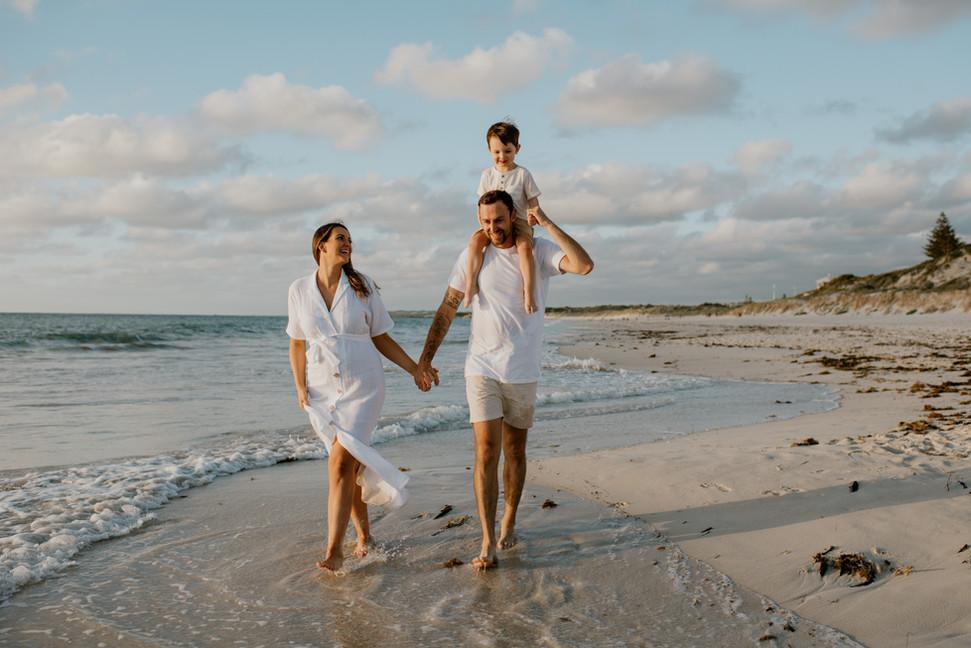 Perth beach maternity photographer