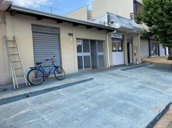Casa a venda possui 360 m² lote, casa c/ 3 quartos sendo uma suíte, banheiro social, sala e cozinha,