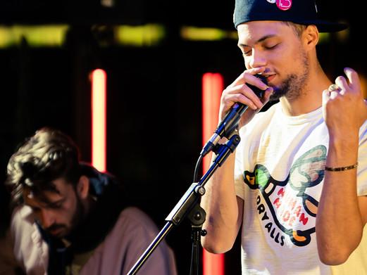 SMITTY (Black Acid) gaat voor akoestische 'Avond voor Release' sessie