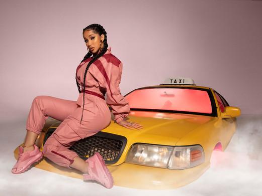 Cardi B x Reebok lanceren'Let Me Be... In My World' capsulecollectie
