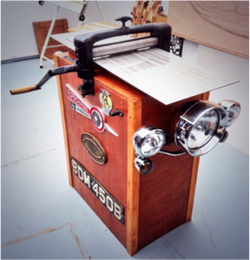 The small mangle press