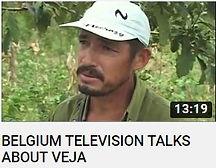 photo d'une agriculteur Brésilien avec une casquette blanche producteur de coton Biologique pour la marque Veja faisant le lien vers une vidéo Youtube de la télévision Belge sur l'entreprise Franco-Brésilienne