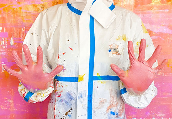 action_painting_landing_hands_01.jpg