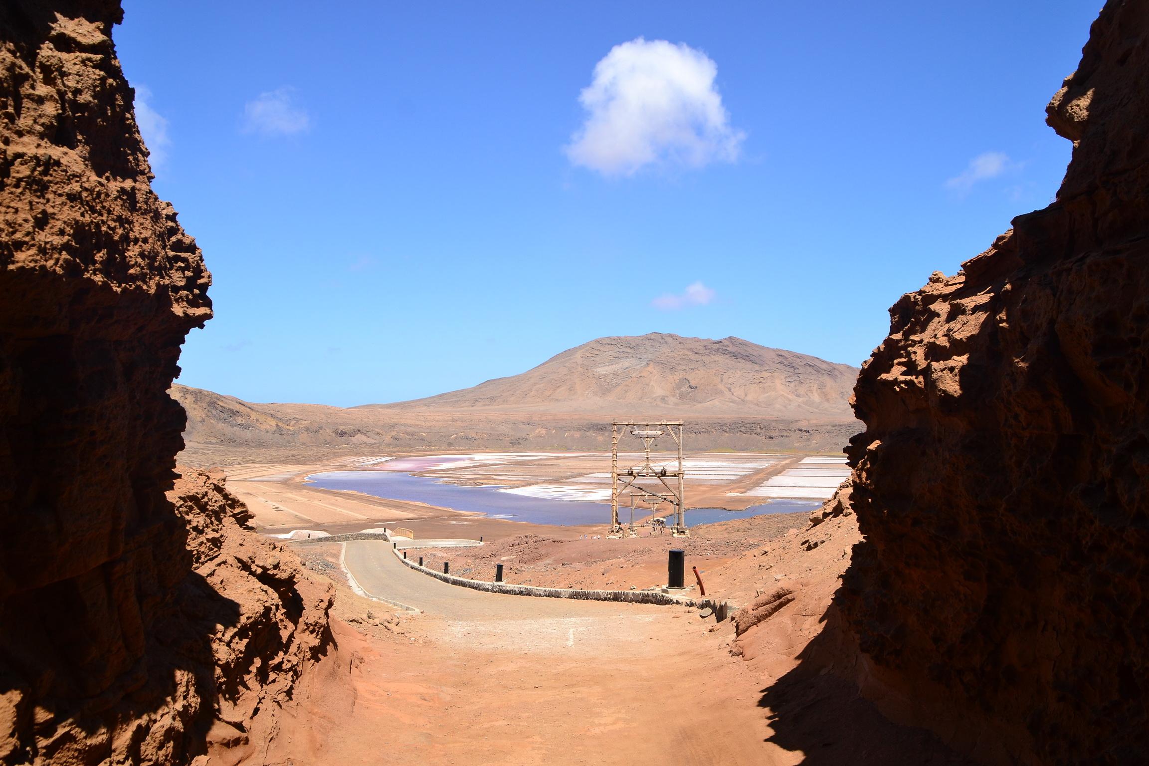 Pedra de Lume salt crater