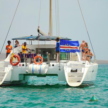 Catamarano Bazof